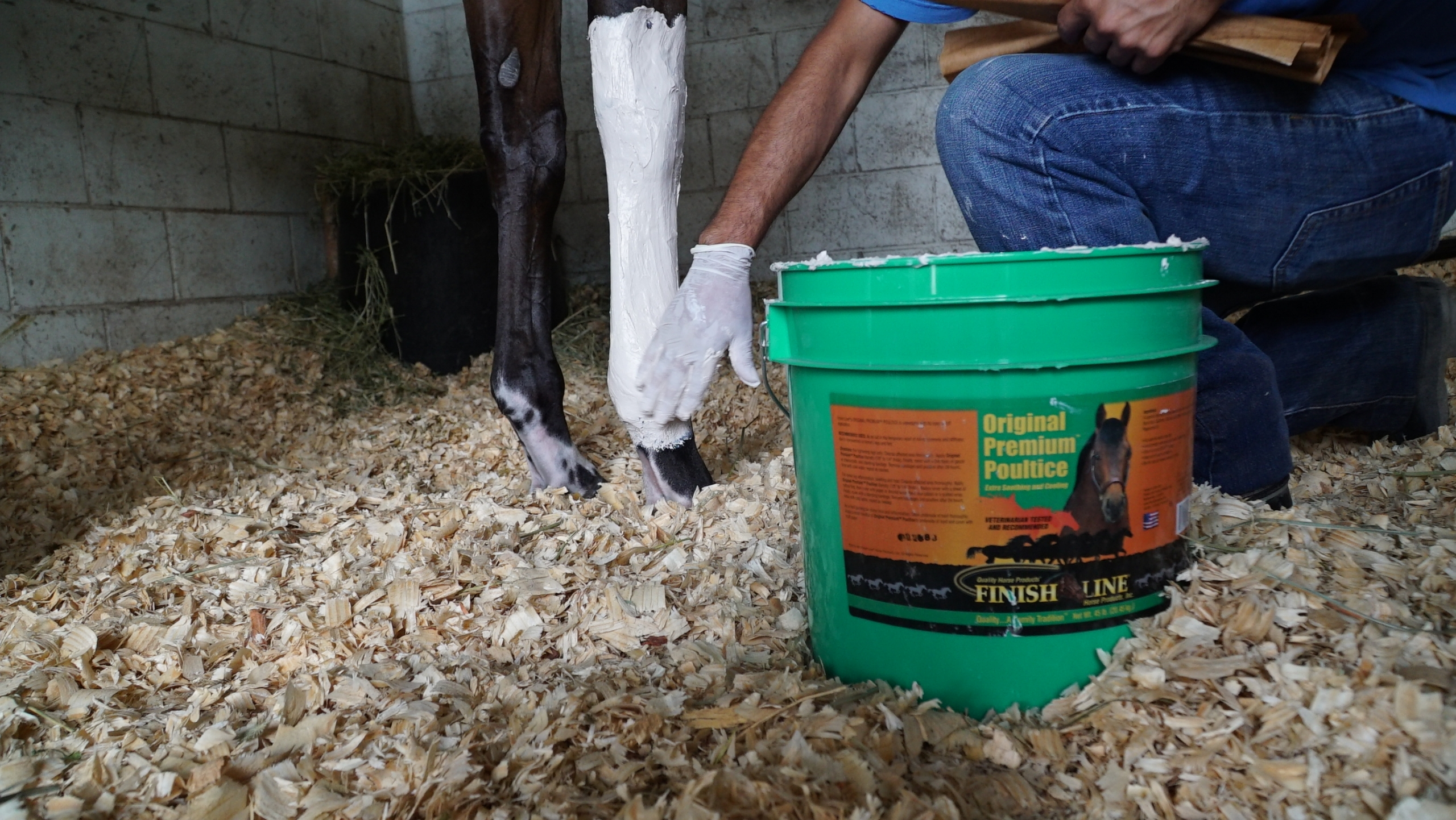 Difference between liniment and poultice